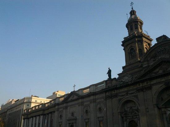 Catedral Metropolitana de Santiago: vista externa