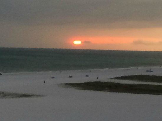 Bilmar Beach Resort: Sunset through the storm