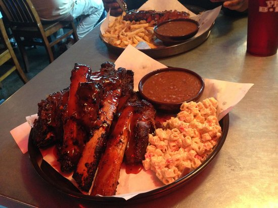 Phil's BBQ: 5 Beef Ribs, Macaroni Salad and Baked Beans