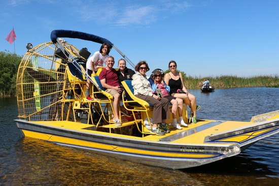 Marsh Landing Adventures: Captain Scott even took a family pic for us!
