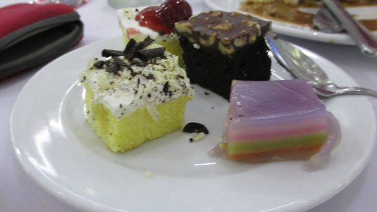 Phuket FantaSea : food