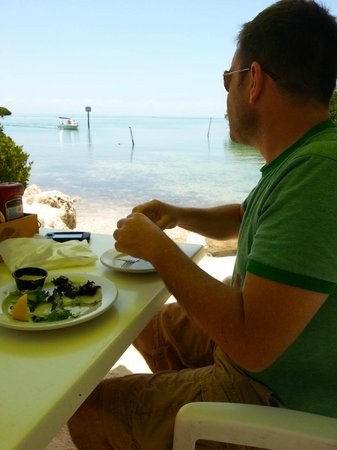 Island Grill : Eating conch fritters by the water!