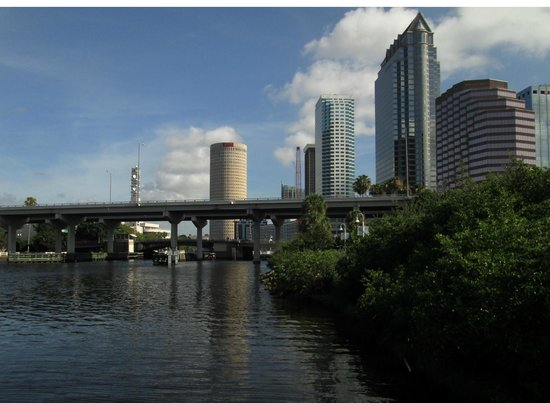 Hillsborough River : Tampa is finally showing off its waterfront.