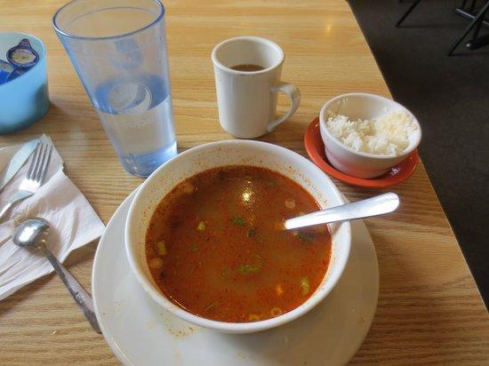 N & T's Restaurant: Tum Yum (chicken)
