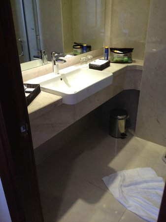 Paradise Saigon Boutique Hotel: They provide cleaning stuff