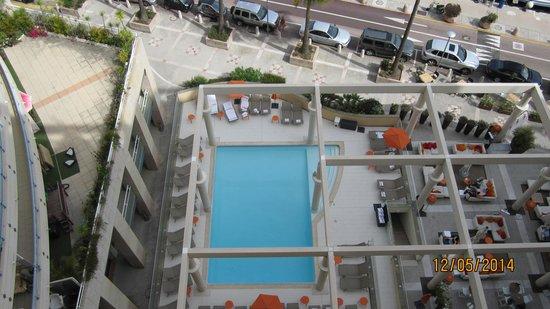 Riviera Marriott Hotel La Porte de Monaco : Swimming pool