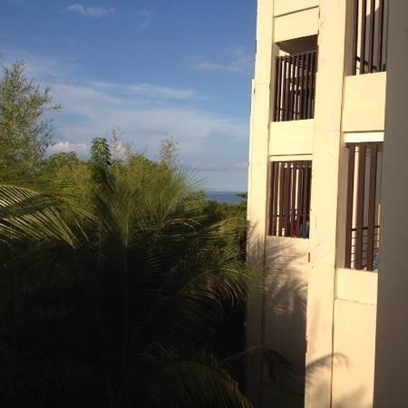 VOUK Hotel & Suites: Sea View