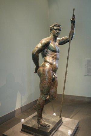 Museo Nazionale Romano - Palazzo Massimo alle Terme: Another bronze statue