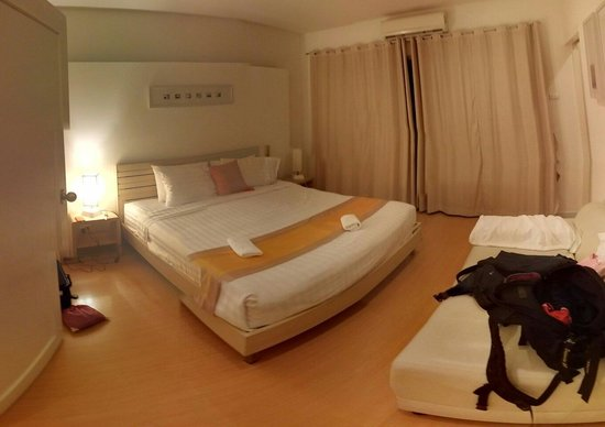 Studio 99 Serviced Apartments: Bedroom view from door (Room No.4)