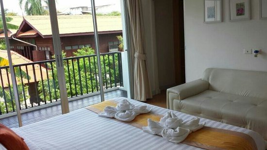 Studio 99 Serviced Apartments : Bed layout on arrival (Room No.4)