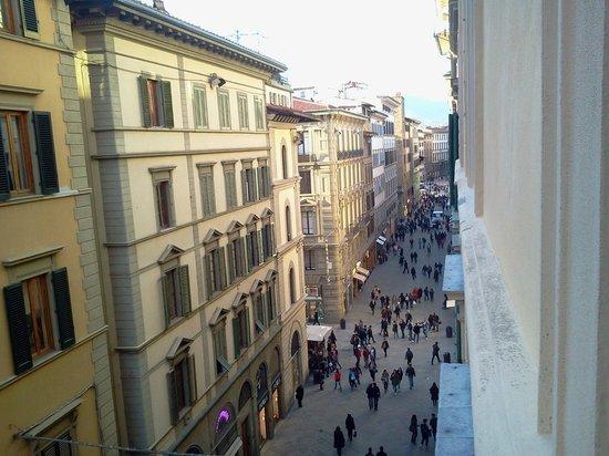 Hotel Della Signoria: vista a la calle principal