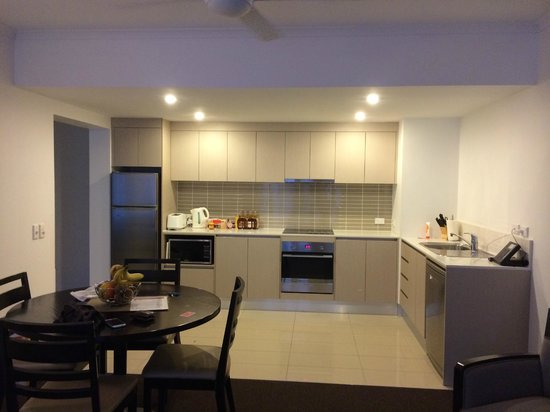 Ramada Resort Port Douglas: Kitchen area