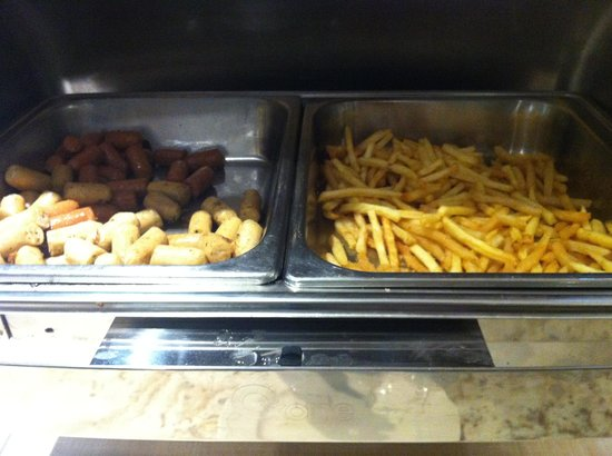 Oria Hotel: French fries for Breakfast?