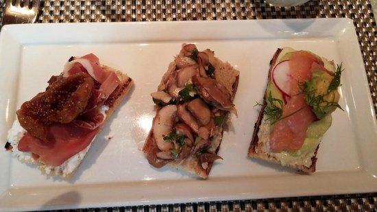 Fig & Olive : Crostini