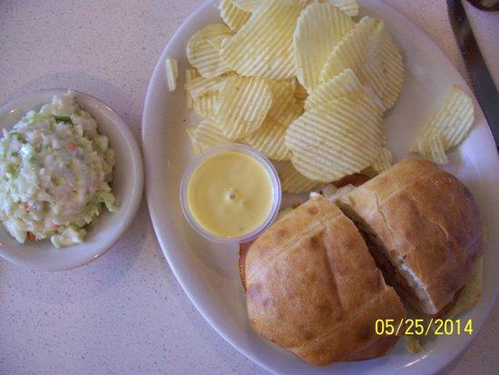 Riverside Family Restaurant: Chicken Cordon Bleu Sandwich