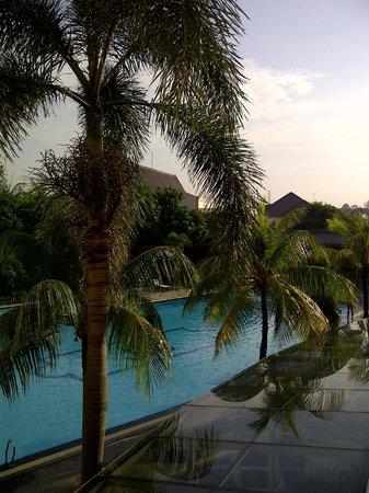 The Sunan Hotel Solo : pemandangan diluar kamar 110