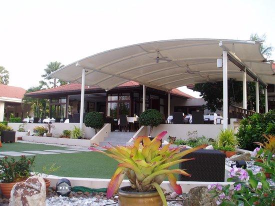 Dewa Phuket Resort Nai Yang Beach: Restaurant