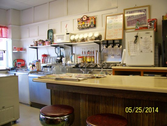 Main Cafe: Soda fountain