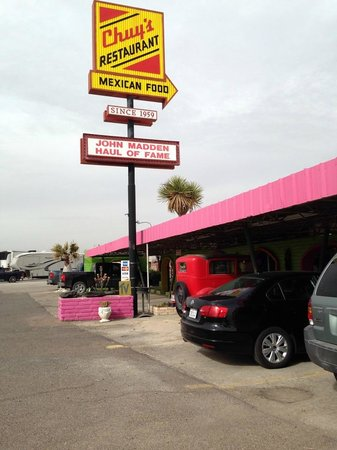 Chuy's Restaurant: Outside of Chuy's