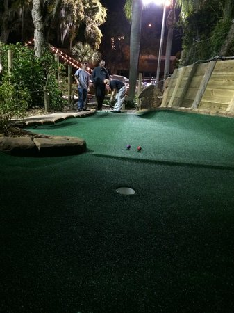 Congo River Golf: The little bumps will getcha!