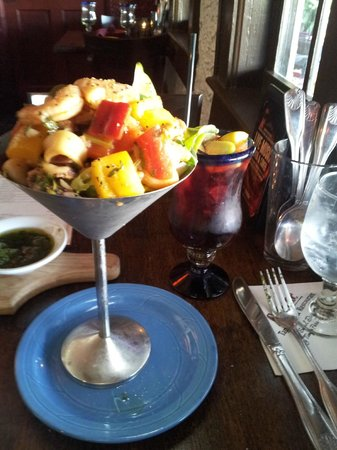 Ceviche Tapas Bar & Restaurant: Ceviche casa and homemade Sangria
