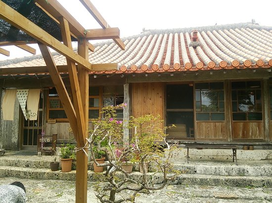 Makabe China: 庭からみた外観