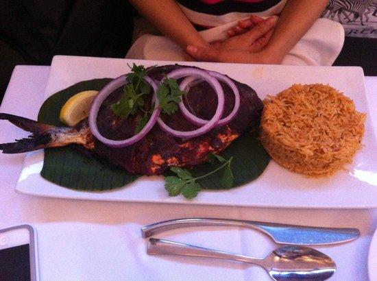 Cholanad: Hole fish on banana leaf