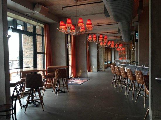 NYLO Plano at Legacy : Restaurant / Bar Area