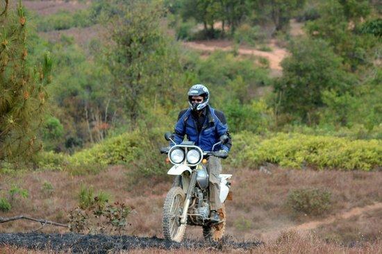 Llanura de las Jarras: Best way to see the Plain of Jars is on a motorcycle