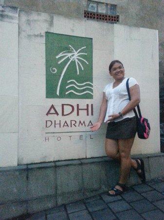 Adi Dharma Hotel: front gate