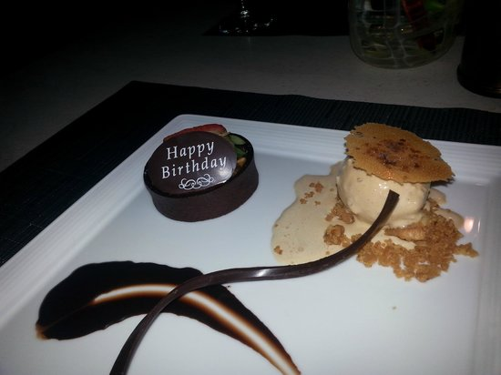 Makana Terrace: my wife's dessert