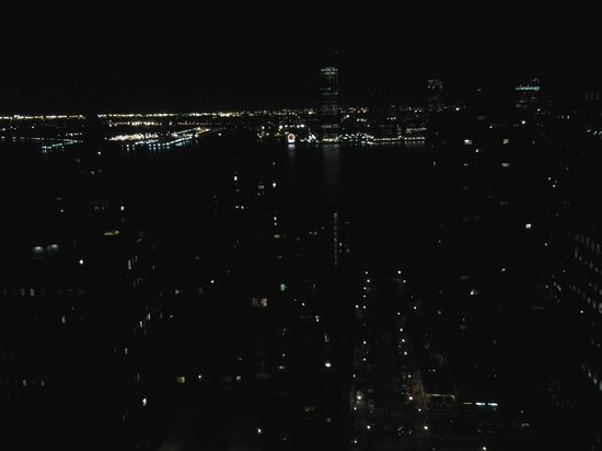 New York Marriott Downtown : nightview from room