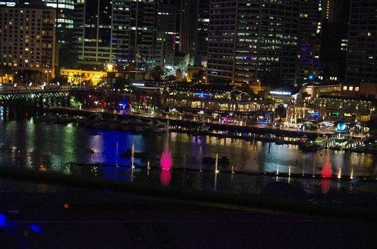 Novotel Sydney on Darling Harbour : Darling Harbour - Vivid Festival Fountains from room