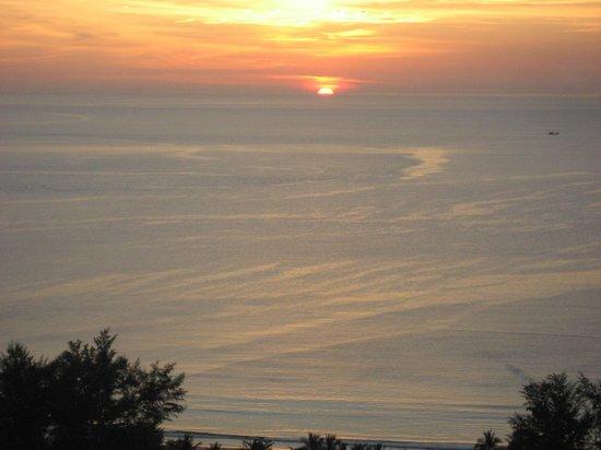 After Beach Bar: Sun set in Kata