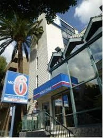 Motel 6 Los Angeles - Hollywood : Front Door