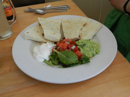 Mendocino Cafe: Quesadilla was delicious!