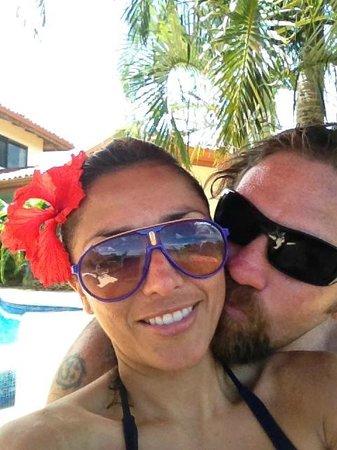 Los Altos de Eros: Anniversary kiss