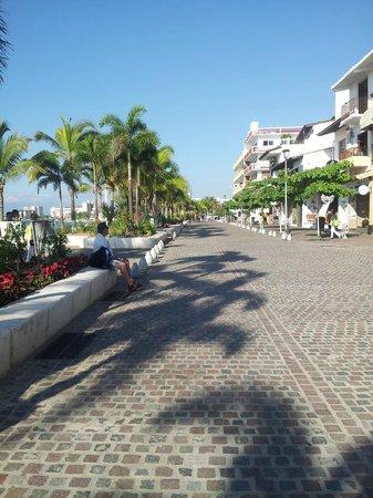 Puerto Vallarta's El Malecon Boardwalk: Lots to explore