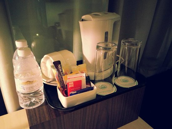 The Residence At Singapore Recreation Club: Tea Kettle