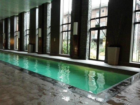 Hilton Queenstown Resort & Spa: Indoor Pool heated