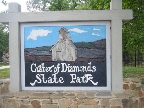 ajab-jankari-omg-facts-crater-of-diamonds-state-park-क्रेटर ऑफ़ डायमंड स्टेट पार्क