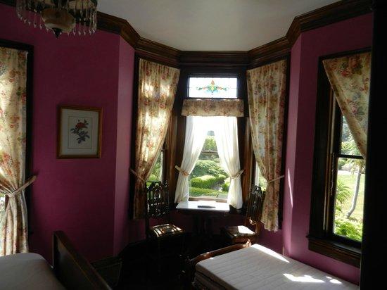 Weller House Inn: Rose Room