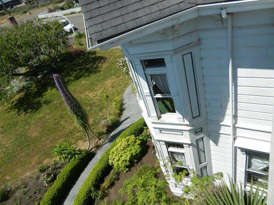 Weller House Inn: Corner Rooms have nice windows