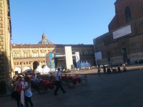 Piazza Maggiore : イベントの準備中