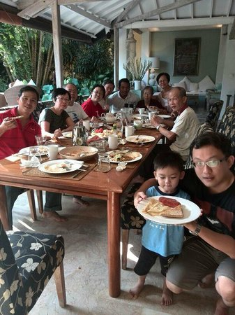 Cheap Bali Driver - Day Tours: Made and our family in villa