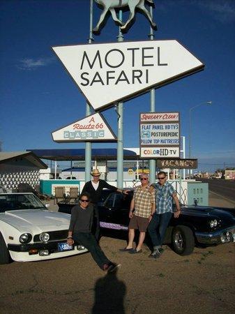 Motel Safari: Friends
