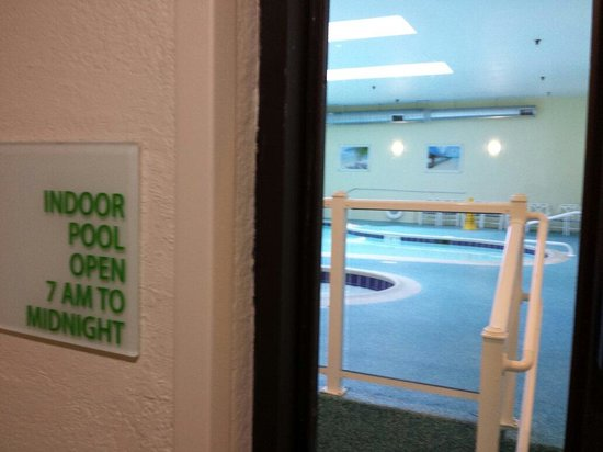 Holiday Inn Ocean City: Pool and hot tubs. Key card required to enter. Open shower to rinse off available along with sma