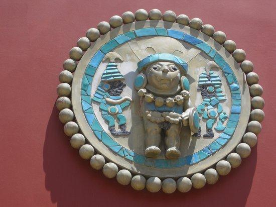 Museo Tumbas Reales del Senor de Sipan: Ear Plug replica