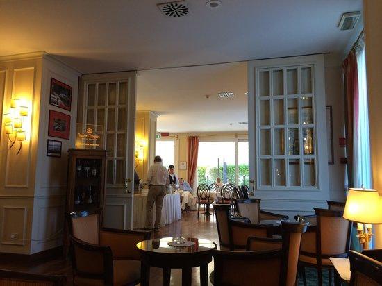 The Regency Hotel: Luce naturale a colazione