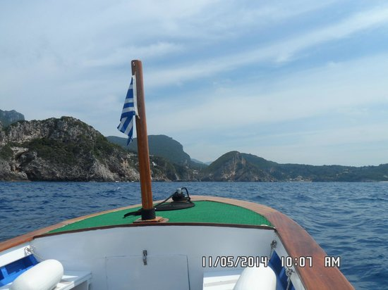 Grotto Boat Tour: The boat trip.